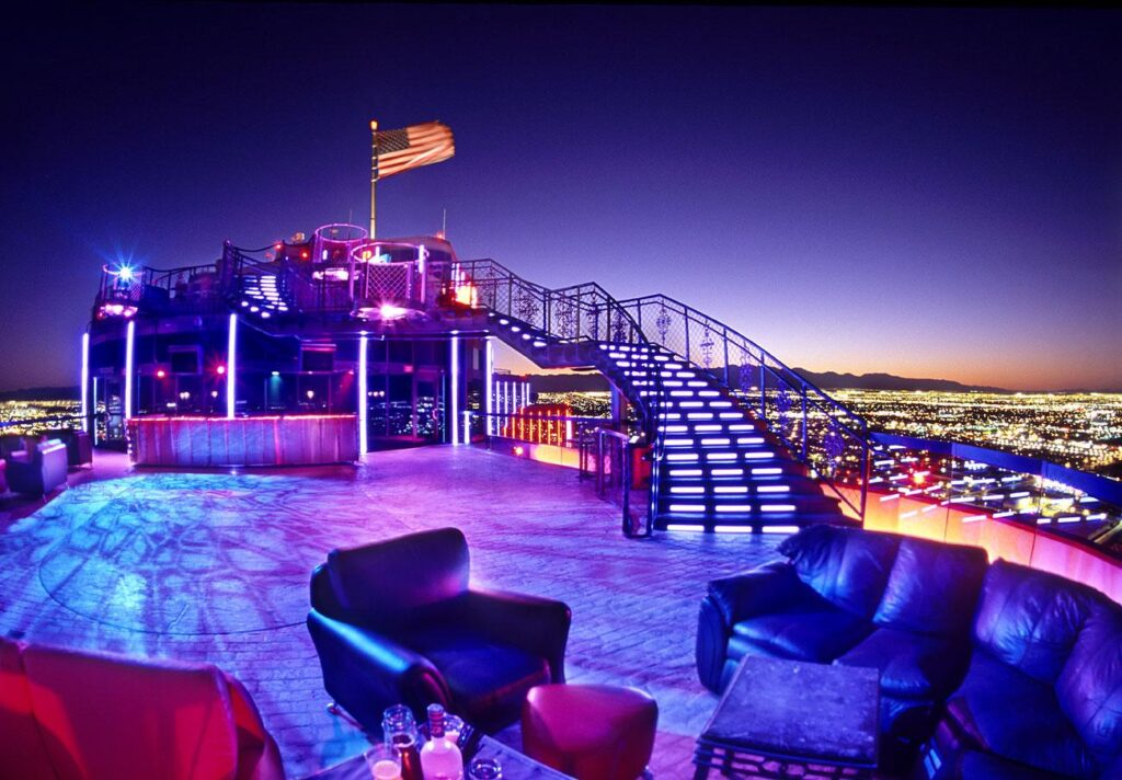 Voodoo roof top night club lounge